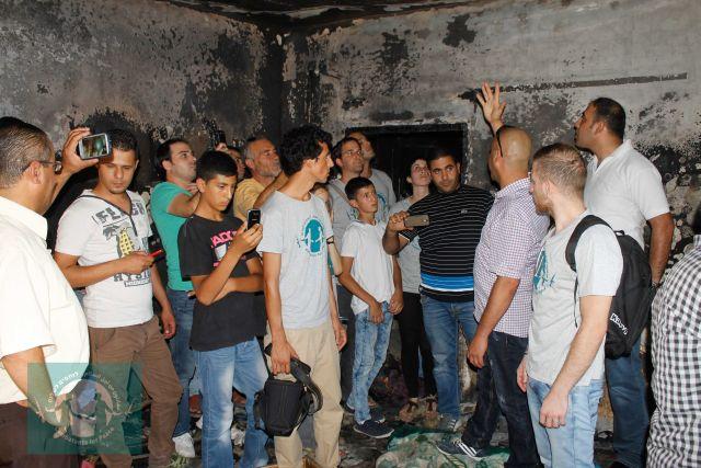 ביקור סולידריות ישראלי-פלסטיני בכפר דומא (צילום: לוחמים לשלום)