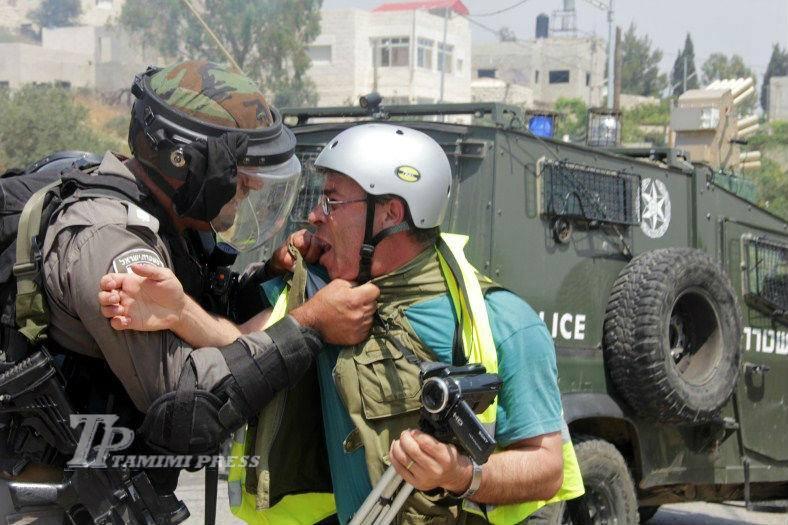 מעצרו של צלם העיתונות בילאל תמימי, נבי סאלח- 11-2-14  צילום: Tamimi Press
