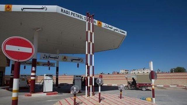 """תחנת דלק בעזה. צילום: אימאן מוחמד. ארגון """"גישה"""""""